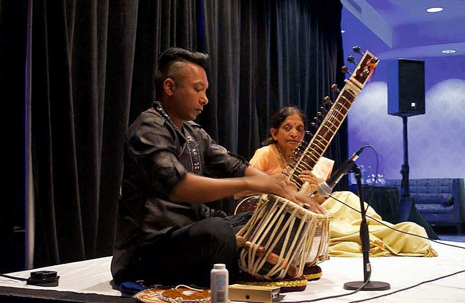 Hasu Patel and Shawn Mativesky perform at the 2016 conference